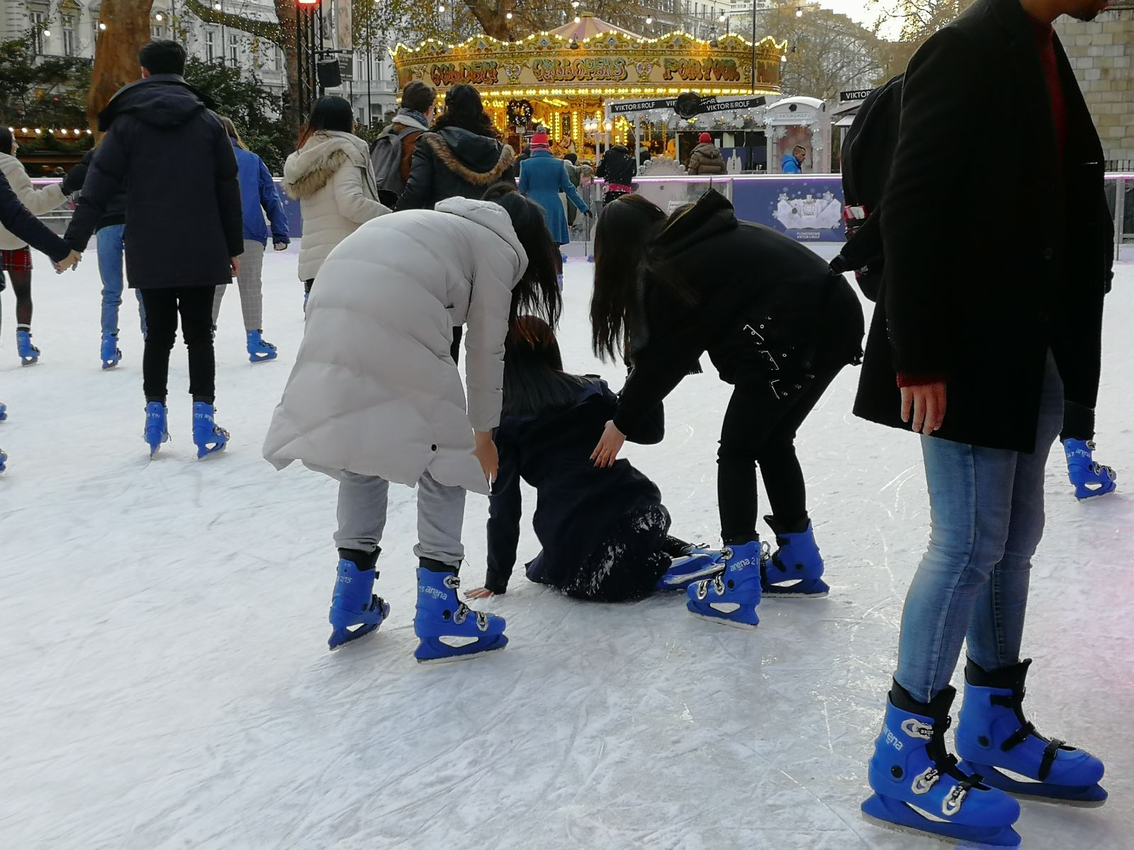 KPS Pupils having fun on ice